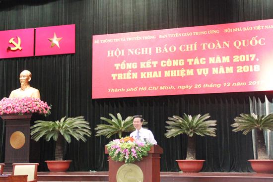 Đồng chí Võ Văn Thưởng, Ủy viên Bộ Chính trị, Bí thư Trung ương Đảng, Trưởng Ban Tuyên giáo Trung ương phát biểu chỉ đạo Hội nghị
