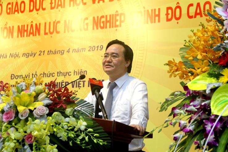 Bộ trưởng Bộ GD&ĐT Phùng Xuân Nhạ phát biểu tại Tọa đàm
